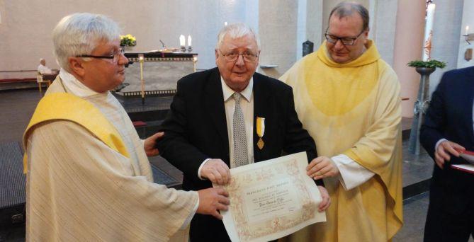 28. Mai: Glockensachverständiger Gerhard Hoffs ausgezeichnet
